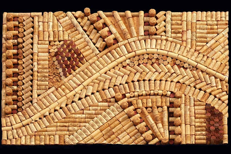 Wine cork art esmeralda for Wine cork bar top